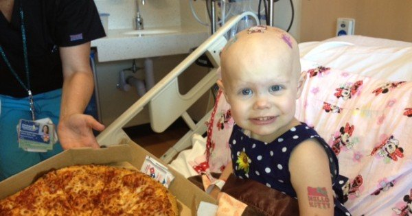 A Toddler Who Is Fighting Cancer Asked for Pizza And Got a Miracle
