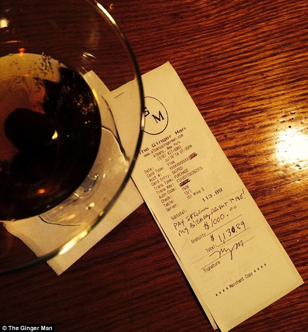 Waiter Receives $1,000 Tip, Pays It Forward