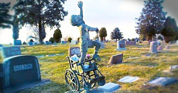I Never Thought I'd Be Happy at a Cemetery Until I Saw What This Dad Did