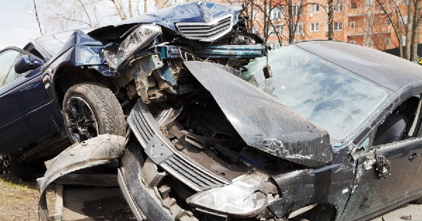 two car accident in head on collision