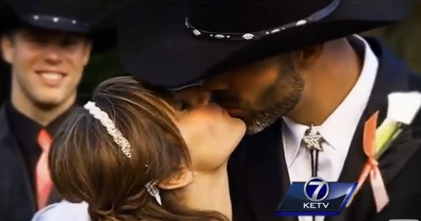 What This Bride Did At Her Own Wedding Stunned Everyone. Grab Your Tissues—This Is Powerful!