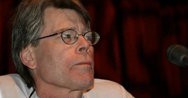 Stephen King Shuns Religion But What He Says About Prayer May Stun You