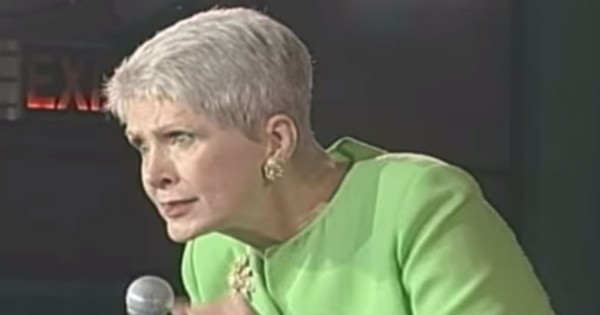 Comedian Jeanne Robertson Shares About Her Trip To Hawaii