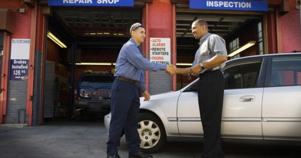 Wait Until You Read How This Customer Made The Salesman Cry! This Act Of Kindness Was Truly 1 Of A Kind.
