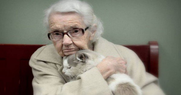 This 102-Year-Old Woman Just Met Her PURRfect Match. This Unusual Bond Couldn't Be Sweeter!