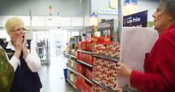 They've Been Divorced For 43 Years. But What He Did At A Walmart Had My Heart Singing!