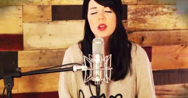 Sarah Reeves Sings '10,000 Reasons'