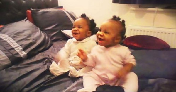 Twin Baby Girls Dance When Momma Sings