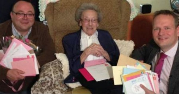 She Turned 100 But Had No One To Celebrate With. That's When Total Strangers Did Something Exceptional!