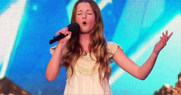 This 12-Year-Old Took The Stage And I Wanted To Hug Her. But Then She Sang…And Oh My STARS!