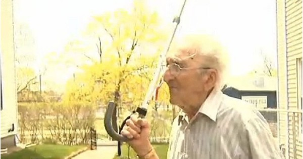 95-Year-Old Veteran Running Errands For His Wife Fends Off A Mugger