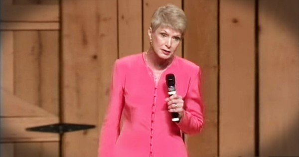 Jeanne Robertson Shares A Funny Story About Her Daddy On An Elevator