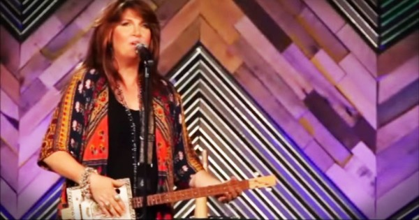 Christian Comedian Anita Renfroe Sings 'Those Ain't Pants'