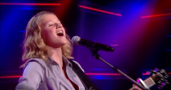 'I Will Always Love You' Performance On The Voice