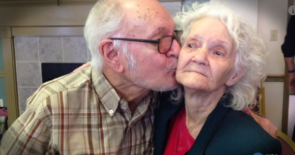 73-Year-Old Man Meets His Mom For The First Time