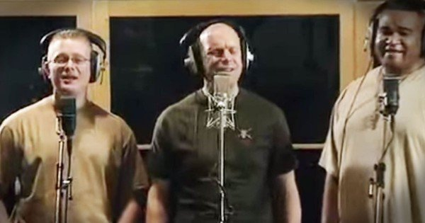 These 5 Soldiers Are About To Make You Cry With This Patriotic Song