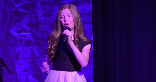 Lexi Walker Sings 'Amazing Grace' and 'America the Beautiful'