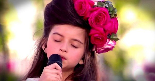 8-Year-Old Angelina Jordan Sings What A Difference A Day Makes