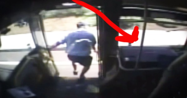 He Stopped The Bus And Jumped Off, And The Reason Why – HEROIC!