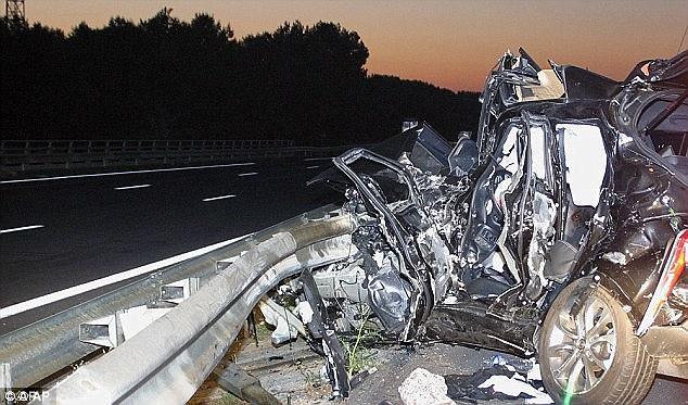 mj-godupdates-dad-shields-baby-girl-in-crash-1