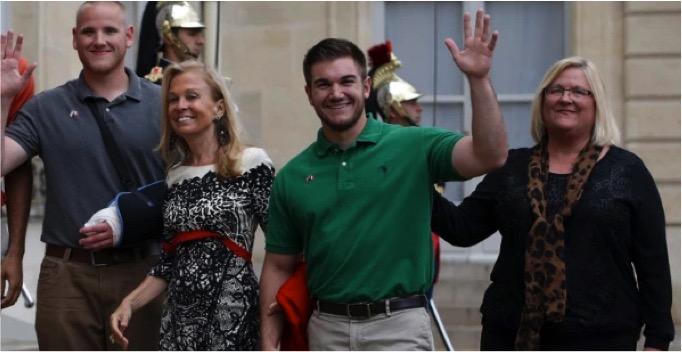 mj-godupdates-moms-of-3-heroes-flown-to-ceremony-4