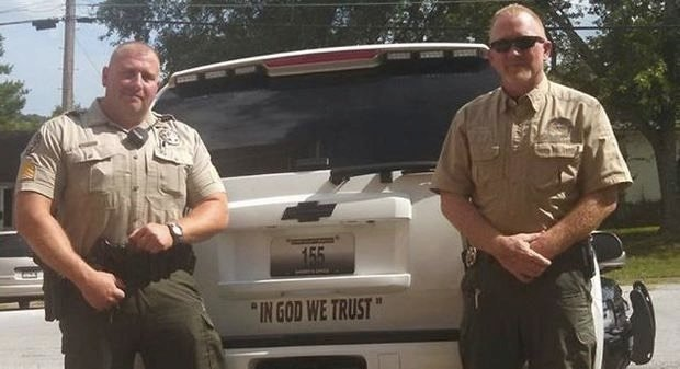 mj-godupdates-sheriff-defends-decals-1