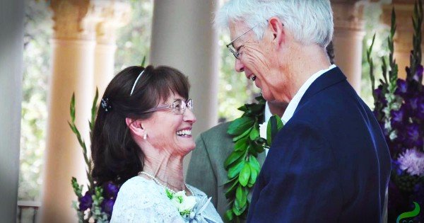 Long Lost Sweethearts Find Love After 50 Years Apart