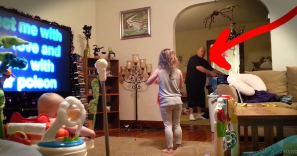 Dad Starts Katy Perry Dance Party With Kids While Mom Is Away