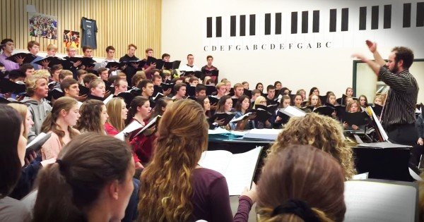 Hymn For Oregon Shooting Victims Will Move You