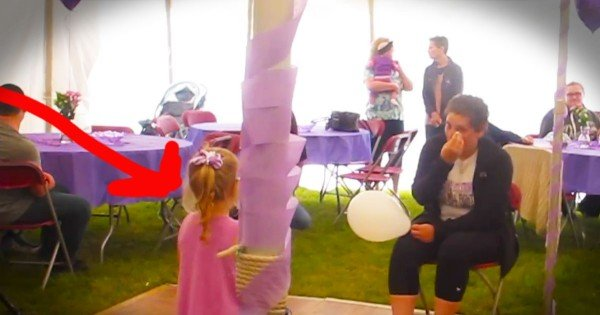 4-Year-Old Sings To Mom With Cancer — TEARS!
