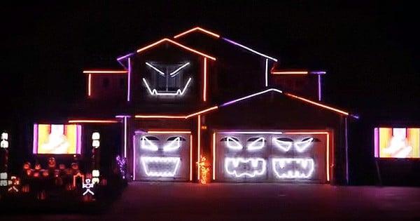 Halloween Light Show Is Mesmerizing