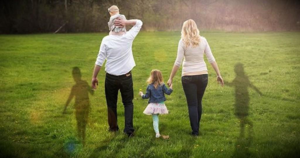 mj-godupdates-family-portraits-honoring-lost-babies-fb