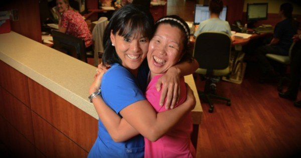 Long-Lost Sisters Miraculously Reunite After 30 Years