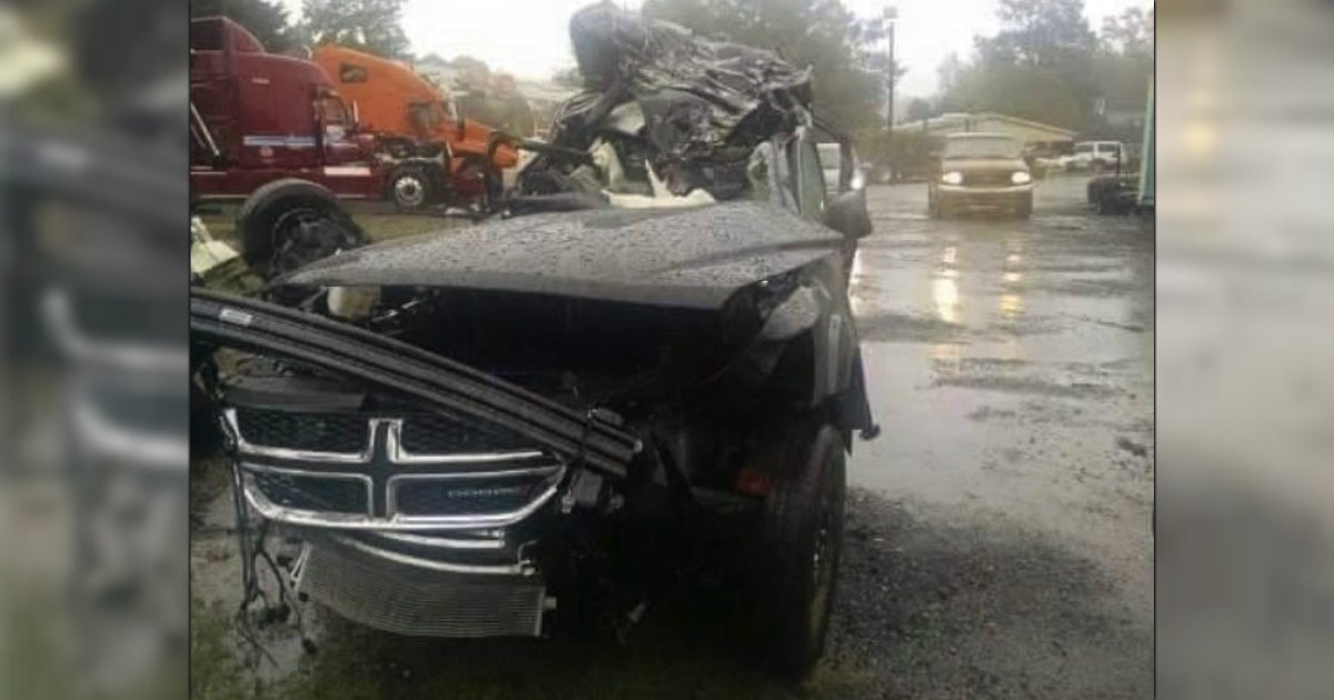 godupdates trooper helps kids parents die halloween car crash_2