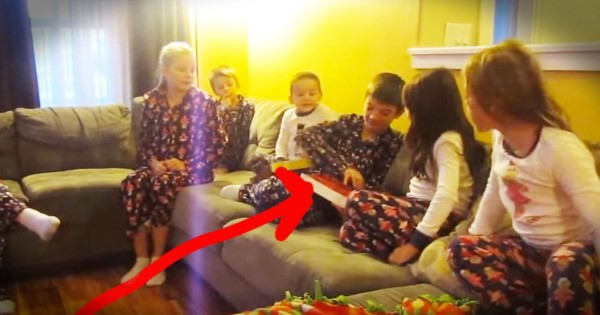 Family Surprises 3 Foster Kids With Adoption Papers For Christmas