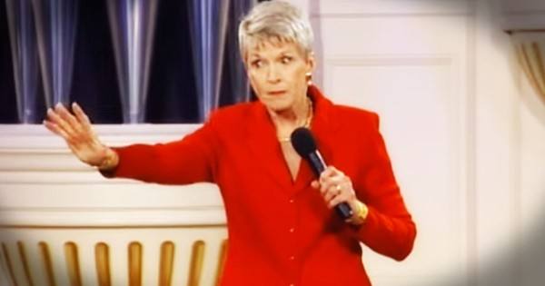 Jeanne Robertson On Why You Can't Trust a Man with the Luggage