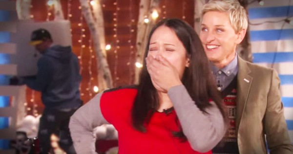 Navy Mom Gets A Surprise Family Reunion On Ellen