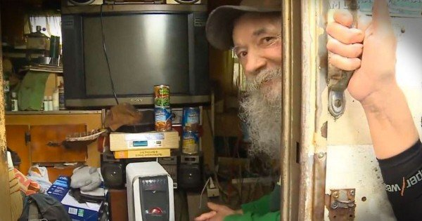 This Homeless Man Got A House For Christmas And You'll Need Tissues