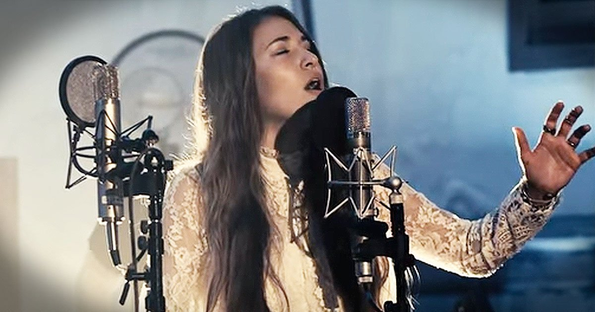 christmas song Noel Chris Tomlin Lauren Daigle