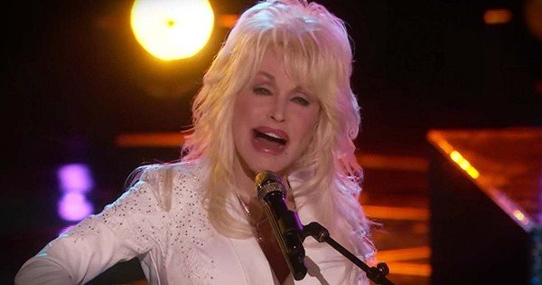 Dolly Parton's Beautiful Performance Of 'Coat Of Many Colors' On The Voice