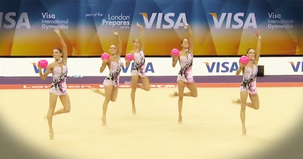 5 Gymnasts Perform Routine with Pink Balls in London