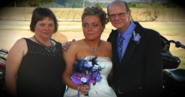 Lost Camera With Wedding Pics Is Returned To Widowed Bride