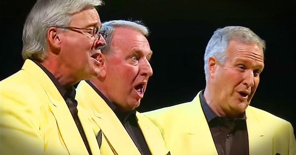 Barbershop Quartet Performance Of 'Put Your Head On My Shoulder'