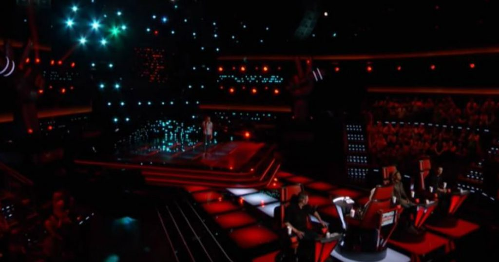 Godupdates surprise duet with christina aguilera