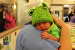 godupdates hospital dresses leap day babies as frogs 3