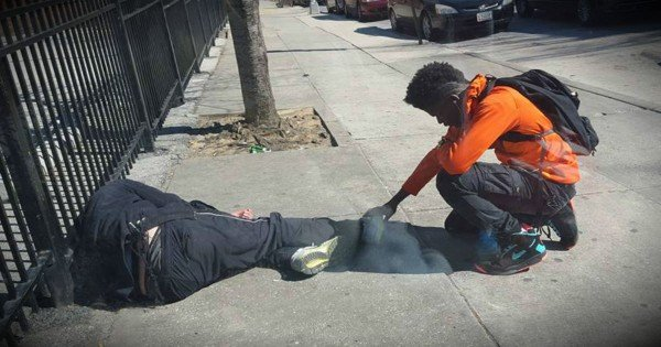 An Officer Posted A Photo Of A Teen Praying Over A Homeless Man