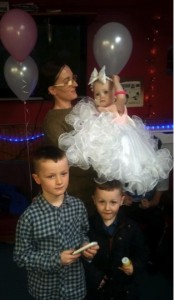 godupdates terminal baby girl poppy-mai gets wedding of her dreams 8