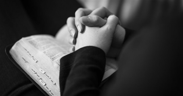 9 Powerful Prayers for Your War Room