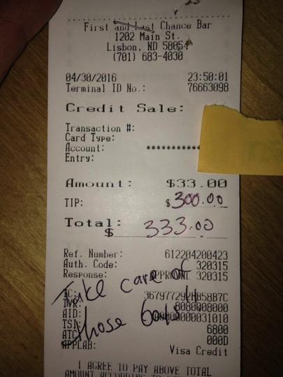 godupdates grandma raising triplets get 300 dollar tip 4