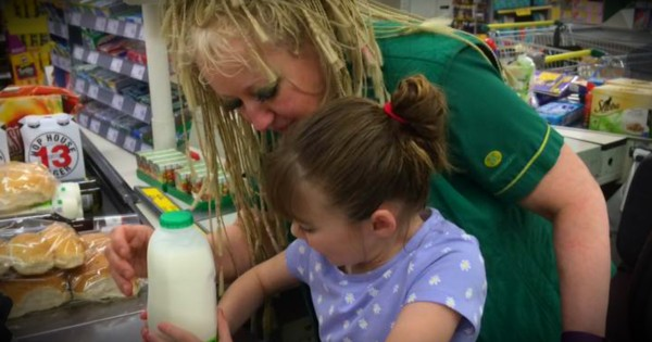 Cashier's Response When A Girl With Autism Melts Down Is Truly Moving